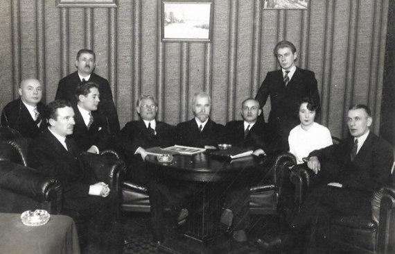 Asmeninio archyvo nuotr./Š.Bajero fotostudija 1933-01-24: dešinėje – Juozas Rubšys, centre – miesto burmistras Antanas Gravrogkas, o jo dešinėje – Kazys Grinius