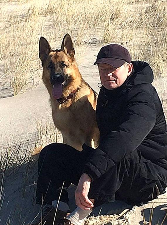 Asmeninio archyvo nuotr./Rolandas Paksas ir jo šuo Lordas