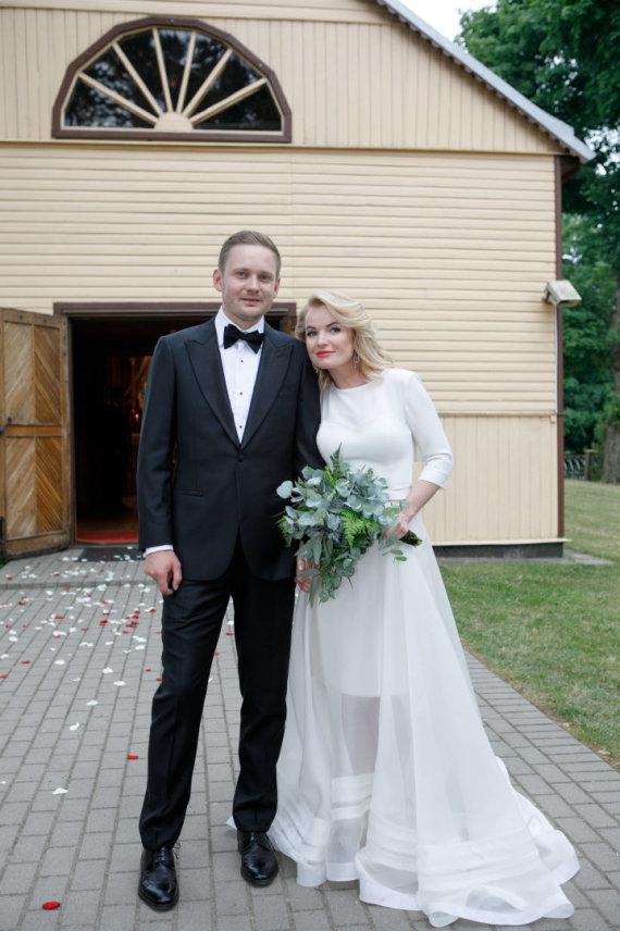 Eriko Ovčarenko / 15min nuotr./Viktorijos Pranckietytės ir Mantvido Žalėno vestuvių akimirka