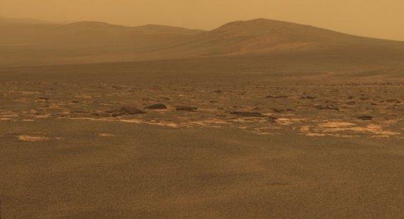 """""""Reuters""""/""""Scanpix"""" nuotr./Marso peizažo nuotrauka, kurią į Žemę perdavė aparatas """"Mars Exploration Rover Opportunity"""""""