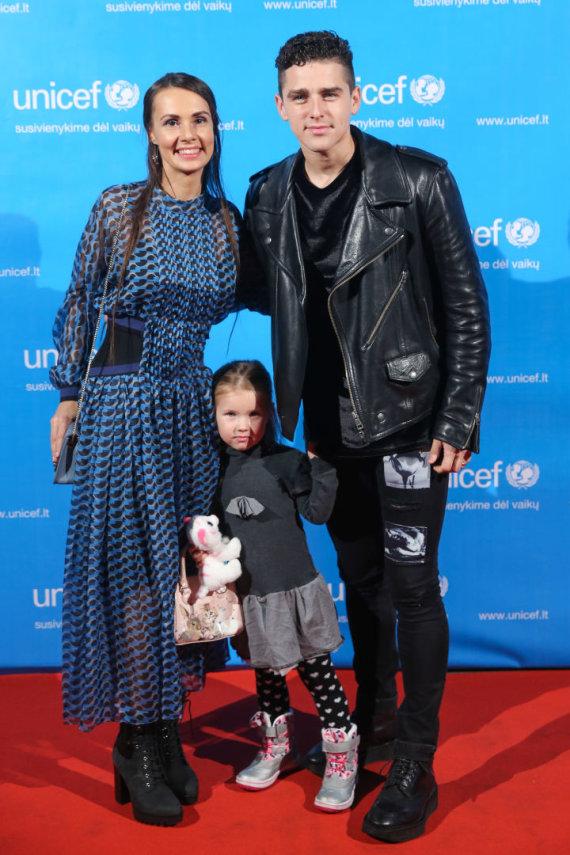 Luko Balandžio / 15min nuotr./Donatas ir Veronika Montvydai su dukra Adele