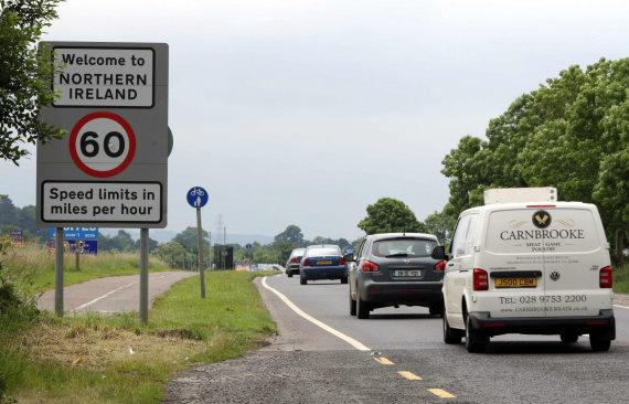 """AFP/""""Scanpix"""" nuotr./Siena tarp Airijos ir Šiaurės Airijos"""