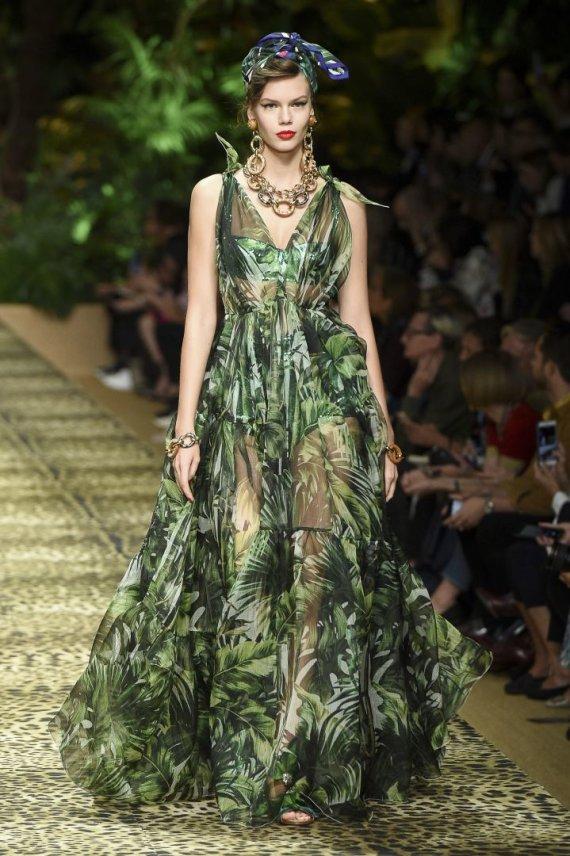 """""""Scanpix""""/""""SIPA"""" nuotr./""""Dolce & Gabbana"""" 2020 m. pavasario ir vasaros kolekcijos modelis"""