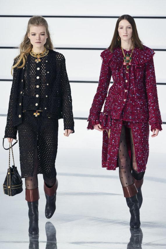 """Scanpix""/""Capital Pictures"" nuotr./""Chanel"" 2020–2021 m. rudens ir žiemos kolekcijos modelis"