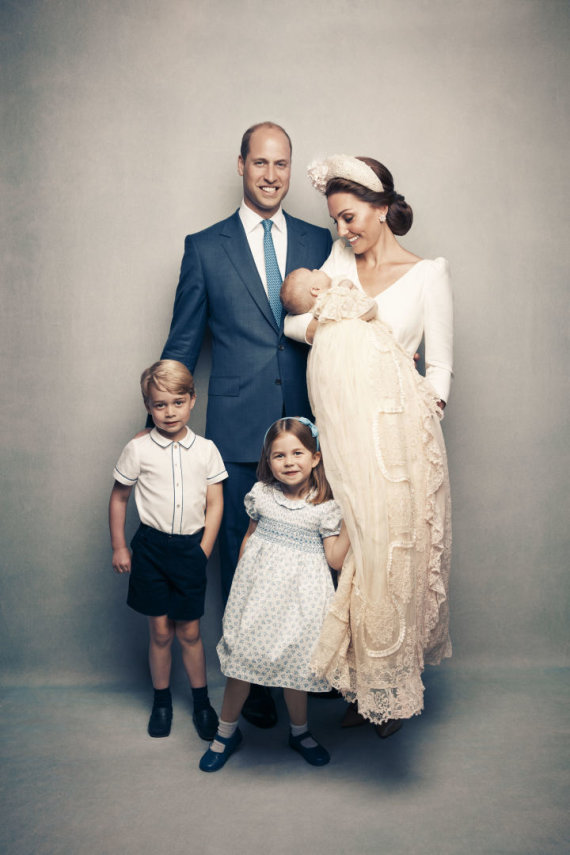 """Scanpix""/AP nuotr./Karališkoji šeima per princo Louiso krikštynas"