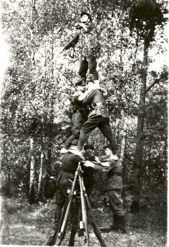 """Autentiška nuotrauka """"Partizanai žvalgyboje"""""""