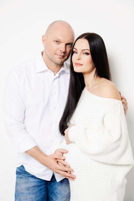 Asmeninio albumo nuotr. /Jurgitos ir Kristupo Krivickų šeimos fotosesijos akimirka