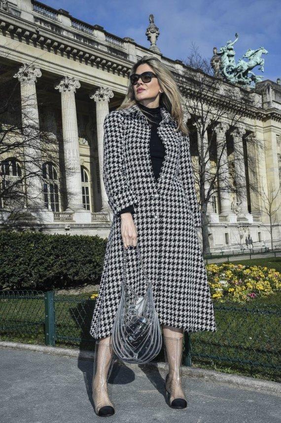 """Vida Press nuotr./Zoya Sakr dėvi """"Chanel"""" batus"""