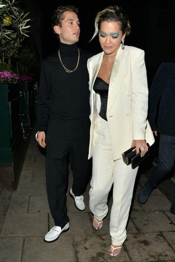 Vida Press nuotr./Dainininkė Rita Ora su aktoriumi Rafferty Law