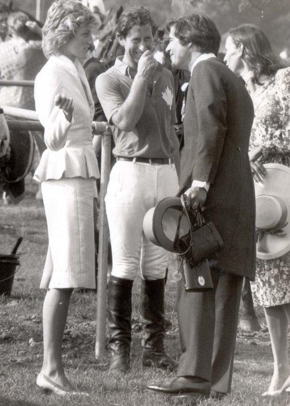 Vida Press nuotr./Princesė Diana, princas Charlesas ir Oliveris Hoare'as 1986 metais