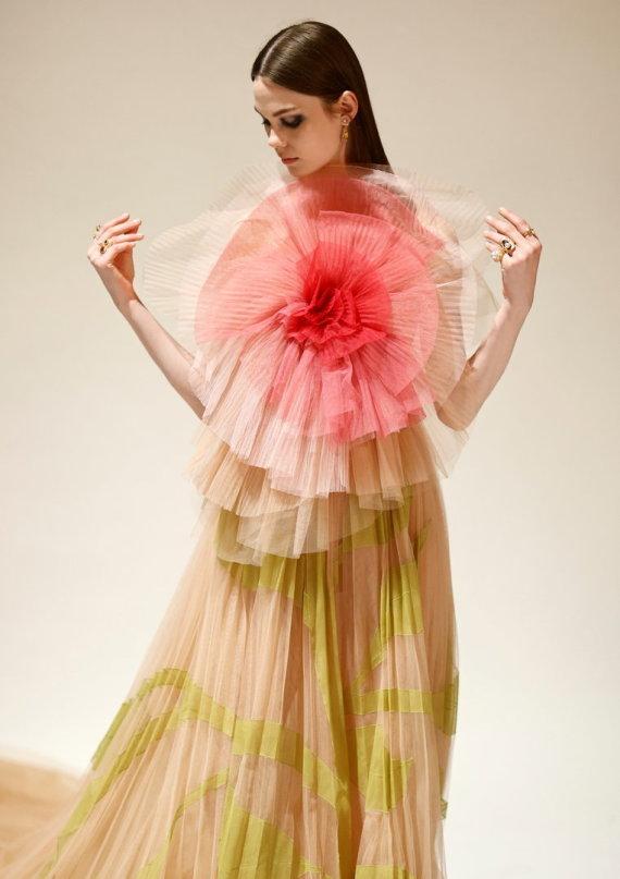"""""""Reuters""""/""""Scanpix"""" nuotr./""""Dior"""" 2021–2022 m. rudens ir žiemos kolekcijos modelis"""