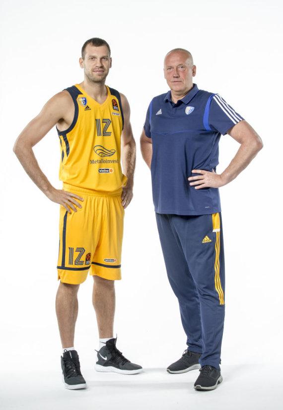 Euroleague.net nuotr./Sergejus Monia ir Rimas Kurtinaitis