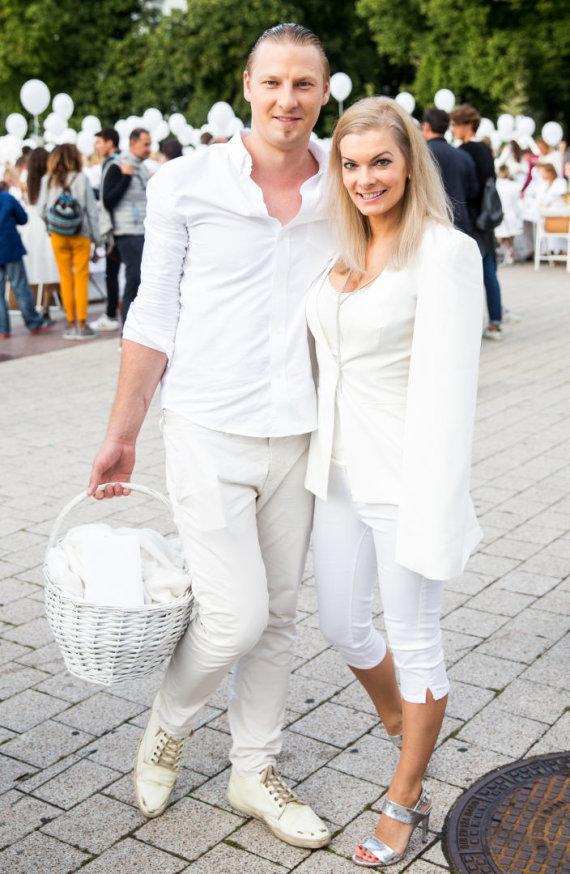 Luko Balandžio / 15min nuotr./Justinas Lapatinskas su žmona Migle