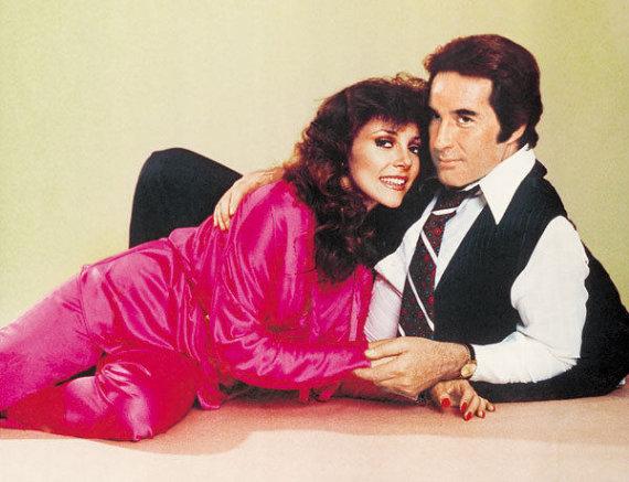 """Serialo kūrėjų nuotr./""""Ir turtuoliai verkia"""" aktoriai Rogelio Guerra ir Veronica Castro (1979 m.)"""