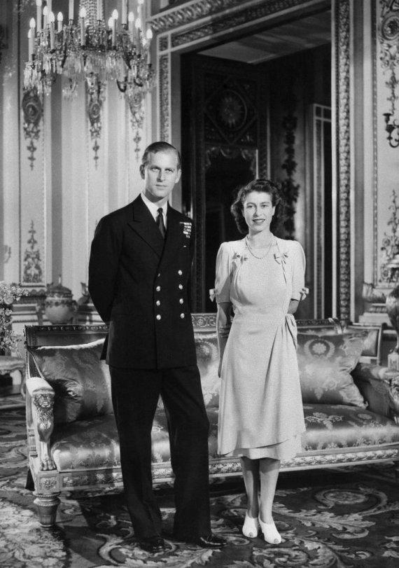 "AFP/""Scanpix"" nuotr./Karalienė Elizabeth ir Princas Philipas 1947"