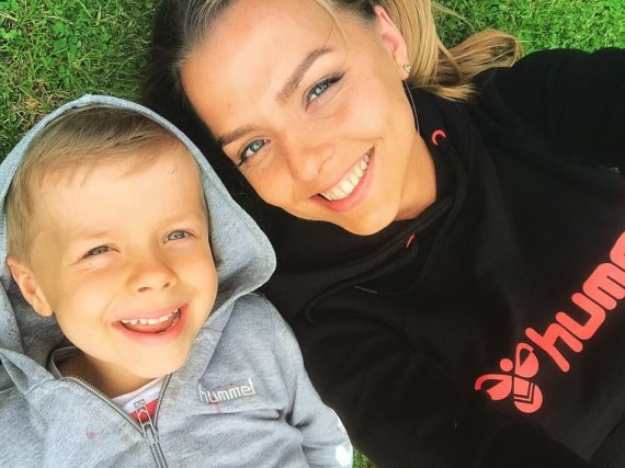Asmeninio albumo nuotr./Vaida Skaisgirė su sūnumi Atu