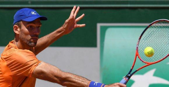 """Teniso """"senukų"""" dvikova Paryžiuje – vyriausias mačas """"Roland Garros"""" istorijoje"""