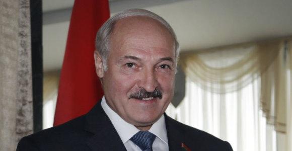 A.Lukašenka nurodė stabdyti kainų augimą: pernelyg įsijausta į demokratiją ekonomikoje