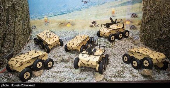 Iranas pademonstravo savo ratuotus prieštankinius ir priešpėstinius robotus