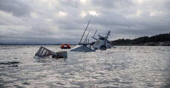 """Norvegai nusprendė, ką darys su nuskendusia fregata – """"Helge Ingstad"""" likimą nulėmė skaičiavimai"""