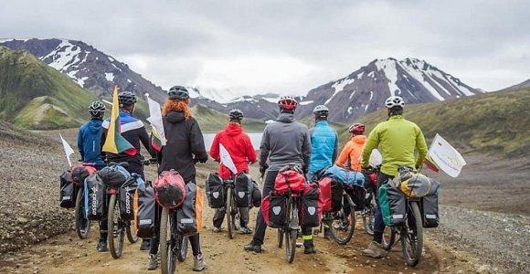 """Lietuvių nuotykiai Islandijoje: dviračiu nuvažiavo 785 kilometrus """"mirties keliu"""""""
