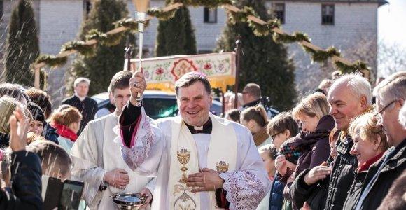 Vyskupas Darius Trijonis: šios Velykos – galimybė naujai švęsti Viešpaties prisikėlimą
