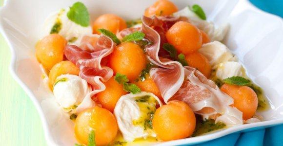 Saldūs, gaivūs, kvapnūs melionai: 7 idėjos, ką įdomaus iš jų ruošti