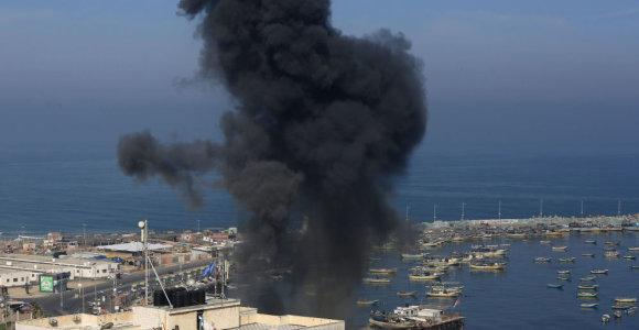 Izraelis po apšaudymo raketomis surengė antskrydžių Gazos Ruože