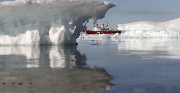 Arktis – lobis su naftos ir dujų klodais, į kuriuos savo čiuptuvus tiesia ne tik Rusija ir Amerika