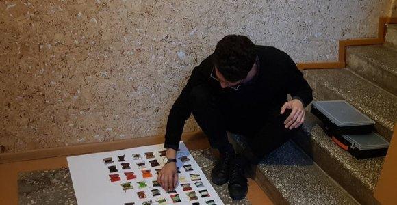 Menininkas iš Kolumbijos Garliavoje kuria subjektyvų žemėlapį: tokių pasaulyje iki šiol yra tik 12