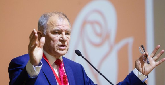 V.P.Andriukaitis užpečkyje tupėti nenusiteikęs: turi pasiūlymų socdemams, Lietuvai ir pasauliui