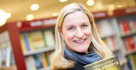Carnegie medaliu apdovanojama R. Šepetys: esu labiau perrašytoja nei rašytoja