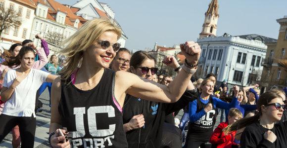Vilniaus Rotušės aikštėje – daugiau nei pusės tūkstančio sporto gerbėjų treniruotė