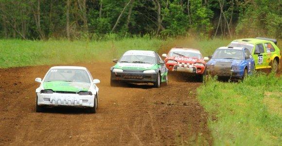 Autokroso varžybose Latvijoje ant prizininkų pakylos žengė trijų šalių atstovai