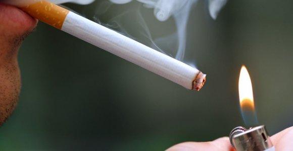 Psichoterapeutas R.Alekna: dauguma rūkančių šiuo įpročiu maskuoja įsisenėjusias problemas