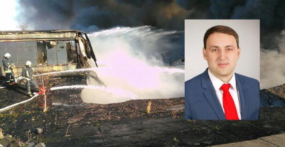 Alytaus meras N.Cesiulis apie gaisro pasekmes: nėra sužeistųjų, dūmų sumažėjo, bet kova tęsiasi