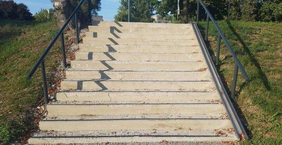 Pernai Kėdainiuose už 815 eurų atnaujinti laiptai šiemet vėl remontuojami