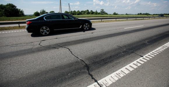 """""""Prakaituojantis"""" kelias Jurbarko rajone – pavojingas"""