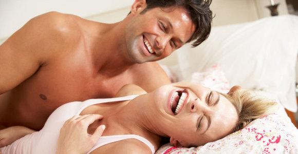 """Seksualinės medicinos gydytojas: """"Paradoksalu – porai nesutariant, neproporcingai didėja dėmesys lytiniams santykiams"""""""