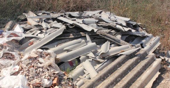 Aplinkos ministerija asbesto atliekoms šalinti skyrė dar 280 tūkst. eurų
