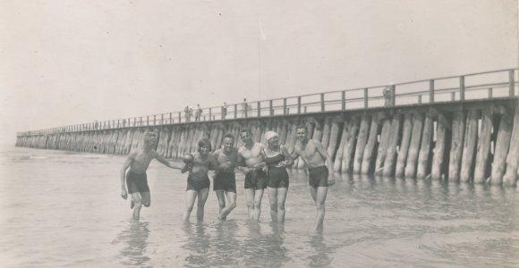Vasaros linksmybės: senos nuotraukos atskleidžia, kaip tarpukariu vasaras leido Panevėžio gyventojai
