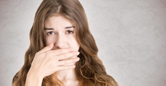 Prastą burnos kvapą sukelia tonzilių akmenys: išvengti padės paprasti kasdienės burnos priežiūros ritualai
