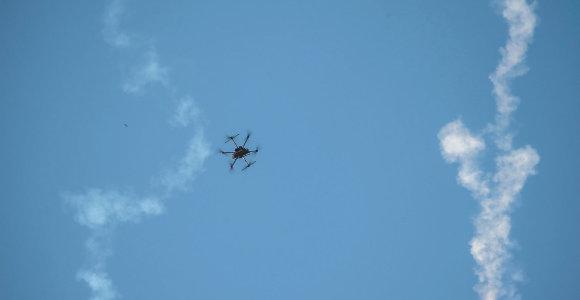 JAV pranešė numušusios Irano droną virš Hormūzo sąsiaurio
