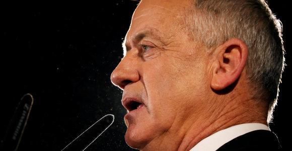 """B.Gantzas ragina formuoti Izraelyje """"nepaprastosios padėties vienybės vyriausybę"""""""