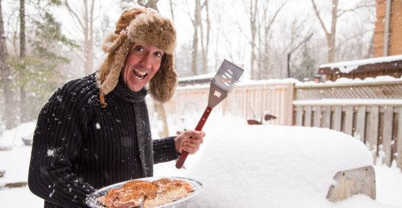 Grilio patiekalai žiemą: kokią mėsą ir kepimo įrangą rinktis? 3 įdomūs receptai