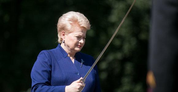 D.Grybauskaitės reakcija į R.Sikorskio pastabas: reikalavimai nusipirkti draugystę Lietuvai nepriimtini