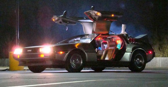 Į Vilnių atkeliaus kultinių Holivudo filmų automobilių kopijos
