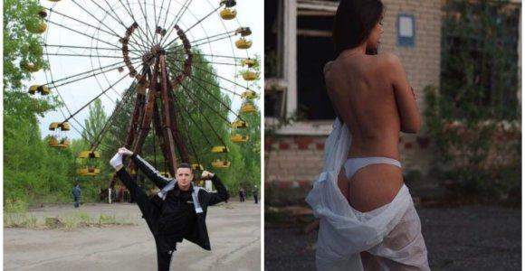 """Černobylį užplūdę turistai gėdinami: """"Turėkite pagarbos aukoms"""""""