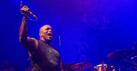 """Festivalis """"Roko naktys: Winter"""": Vilniuje griaudėjo metalo žvaigždės """"Kreator"""" ir """"Sepultura"""""""