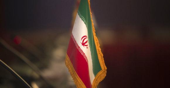 Irane dėl smogo uždaryta dalis mokyklų ir universitetų